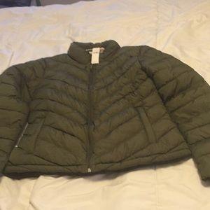 Great gap bubble jacket brand new